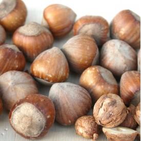 Lieskové orechy v škrupine